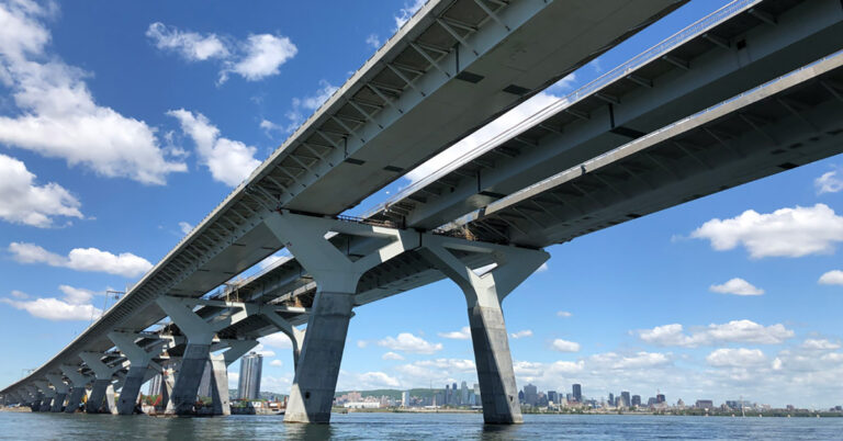 Champlain Bridge lights up
