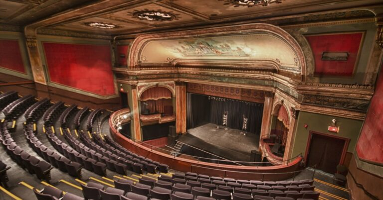What's going on in Montreal Theatre?