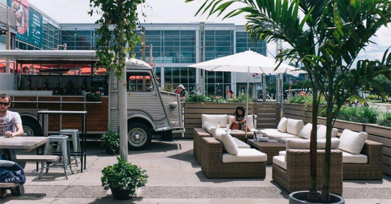 Montreal restaurants open
