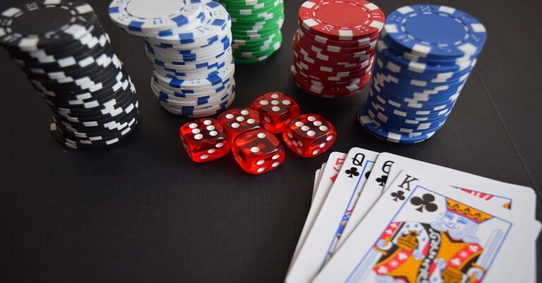 Casino expert Douglas Morin explains how to make money from playing Online Casinos without a budget