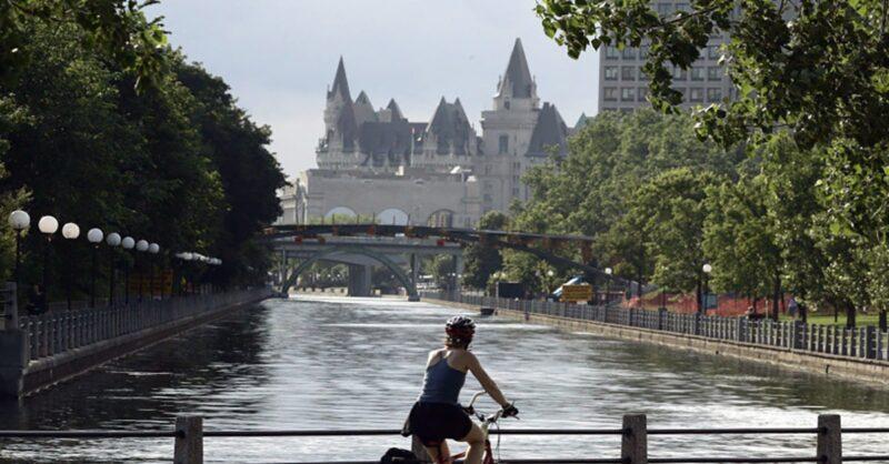 Living-in-Ottawa-min