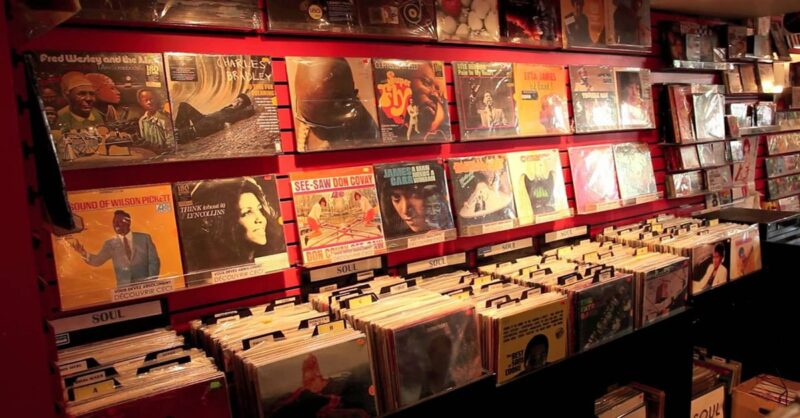 Montreal-record-stores-min