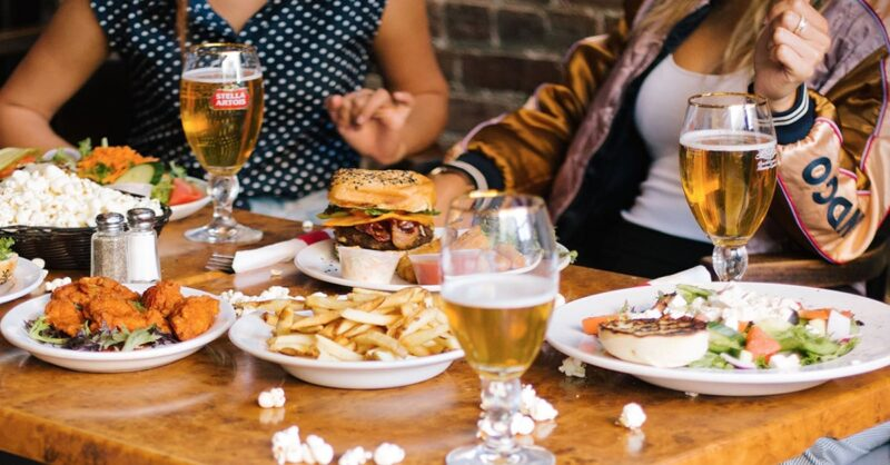 What-Montrealers-need-to-know-about-heading-back-to-restaurants-min