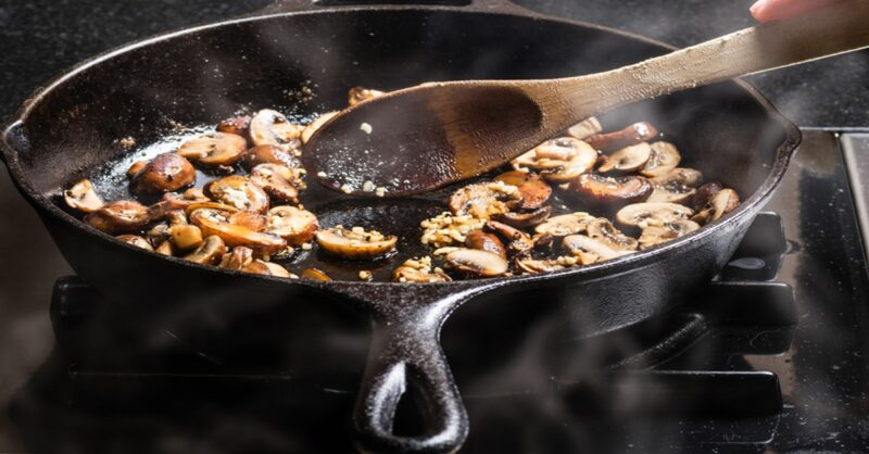 cooking-with-a-cast-iron-skillet-min